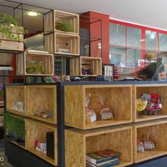 La Padocca : Espaços gastronômicos  por Estúdio Kza Arquitetura e Interiores,