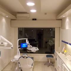 Remodelación de Consultorio Odontológico: Clínicas y consultorios médicos de estilo  por Arq. Lucas Martín Lang