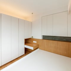 http://arctitudesign.com.hk/node/85:  Bedroom by arctitudesign, Minimalist