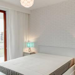 Błękitna Laguna: styl , w kategorii Sypialnia zaprojektowany przez Perfect Space