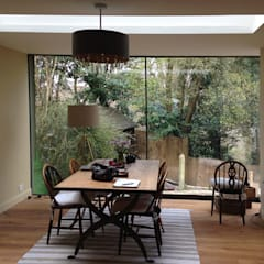 Full Height Glazing & Roof Light in New Dining Room:  Dining room by ArchitectureLIVE