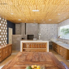 rustic Kitchen by BAMBU CARBONO ZERO