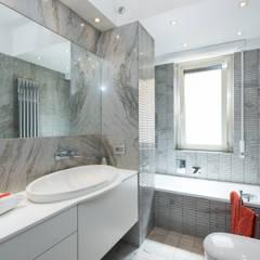 Appartamento Roma Quartiere Africano: Bagno in stile  di Paolo Fusco Photo
