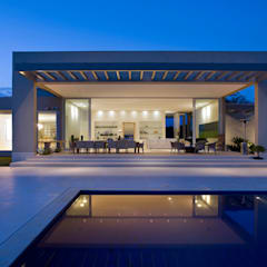Pool by Lanza Arquitetos