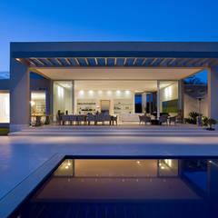 Kolam Renang by Lanza Arquitetos