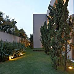 Paulo Henrique Taman Modern Oleh Lanza Arquitetos Modern