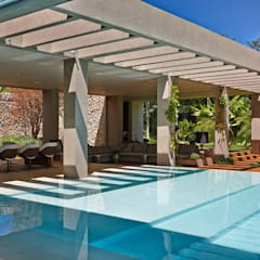 Pool by Lanza Arquitetos,