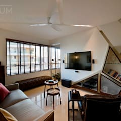 4 Bed Apartment Interior: minimalistic Media room by Aum Architects