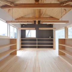 M事務所: 株式会社 村田建築設計所が手掛けた壁です。,