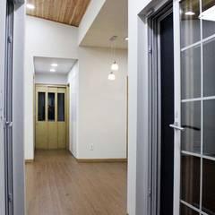 Corridor & hallway by 스투디오 테이크