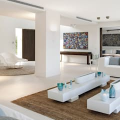 Waterfall Estate Ideas:  Living room by GSI Interior Design & Manufacture, Minimalist