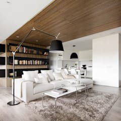 Media Room:  Media room by GSI Interior Design & Manufacture