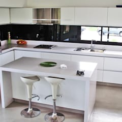 Kitchen by Estudio Fernández+Mego