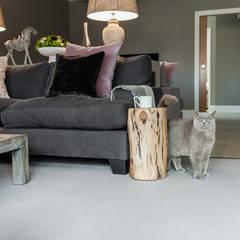 Open Plan Space:  Living room by Lauren Gilberthorpe Interiors