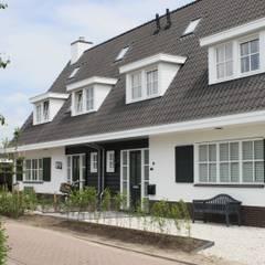 Landelijke woning (twee onder één kap):  Huizen door Brand BBA I BBA Architecten