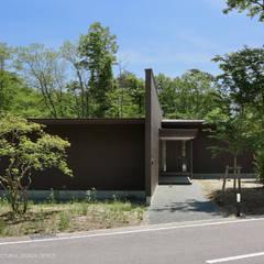 038那須Fさんの家: atelier137 ARCHITECTURAL DESIGN OFFICEが手掛けた家です。,クラシック 木 木目調