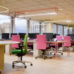 Wink: Edificios de oficinas de estilo  de Stone Designs