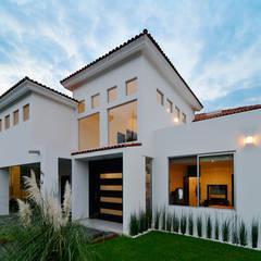 Rumah oleh Excelencia en Diseño