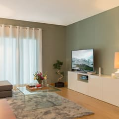 Lezírias House: Salas de estar  por Twelve Four Haus,Moderno