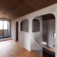 2014 YP House: AtelierorB  が手掛けた壁です。,