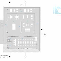 PLANTA DE CONSTRUÇÃO E LAYOUT: Hotéis  por Piratininga Arquitetos Associados