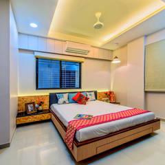 Penthouse 401:  Bedroom by Saar Interior Design