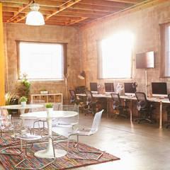 Oficina Valencia: Estudios y despachos de estilo  de El Mussol Rosa