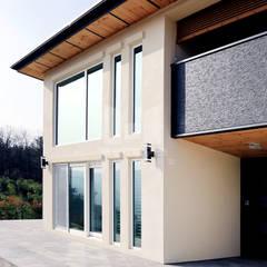 주택의 품격을 높이는 일본식 주택 디자인: 코원하우스의  주택