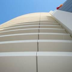 Vele Ingresso Centro Commerciale IperLando: Centri commerciali in stile  di Eleni Decor