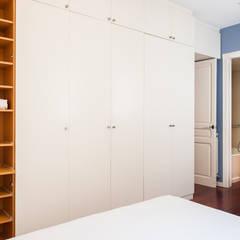 Home Staging en el Eixample de Barcelona: Vestidores de estilo  de Markham Stagers