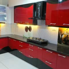 مطبخ تنفيذ Shadab Anwari & Associates.
