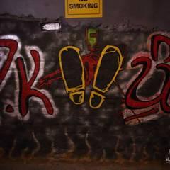 PK TUNN RESTOBAR,LUDHIANA:  Corridor & hallway by Ingenious