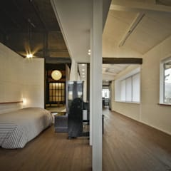 美山のK邸改修: Kawakatsu Designが手掛けた寝室です。,
