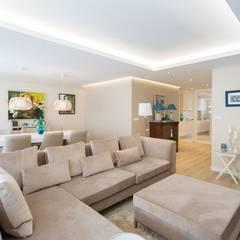 Reforma vivienda estilo nórdico en A Coruña: Salones de estilo  de GESTION INTEGRAL DE PROYECTOS DEL NOROESTE S.L.
