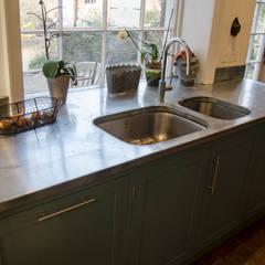 zinc sinc: country Kitchen by Tim Jasper