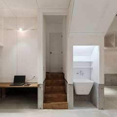 Garasi oleh Kawakatsu Design, Modern