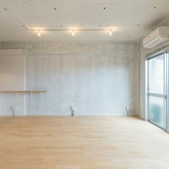 Renovation in Meidai-mae:  Living room by Kentaro Maeda Architects