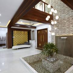 Corridor & hallway by M B M architects