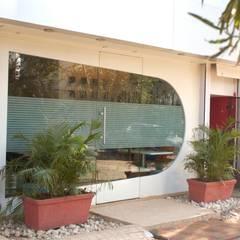 Modern windows & doors by homify Modern Glass