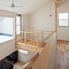 ORANGE HAUS: 田村の小さな設計事務所が手掛けた廊下 & 玄関です。