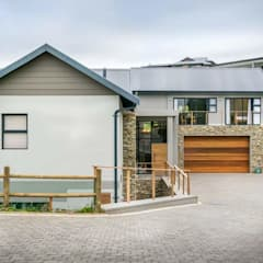HSE Van Rooyen:  Houses by CA Architects