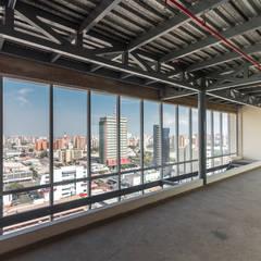 TORRE 13: Edificios de oficinas de estilo  por MAT Latinamerica