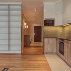 110 m nowoczesnej elegancji: styl , w kategorii Kuchnia zaprojektowany przez Perfect Space