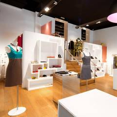 Boutique Nathalie Chaize Lyon Paris: Locaux commerciaux & Magasins de style  par réHome