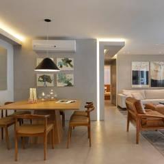 Apartamento decorado Calper: Salas de jantar  por Gisele Taranto Arquitetura