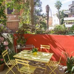 Giardino privato a Roma: Giardino in stile  di MamBaOffice
