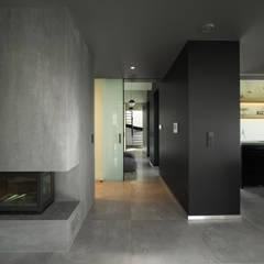 Koridor dan lorong by MINIMOO Architektura Wnętrz