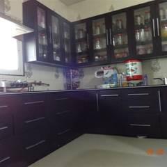 L SHAPE MODULAR KITCHEN : colonial Kitchen by aashita modular kitchen