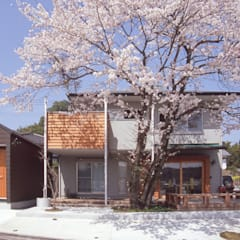 Houses by (株)独楽蔵 KOMAGURA