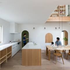 Otsu House: ALTS DESIGN OFFICEが手掛けたキッチンです。
